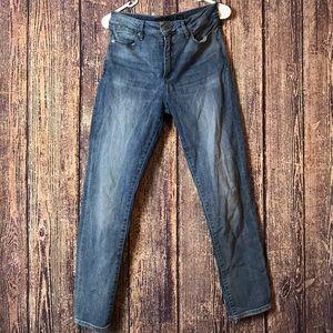 Women Lucky Brand Jeans Size 10/ 30 Light Denim